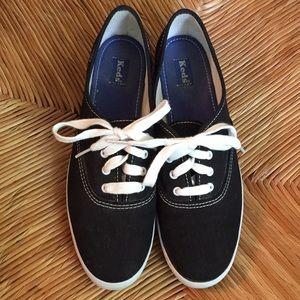 Keds Classic Black Shoes Sz 8